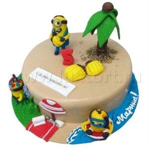 Торт Миньоны на пляже