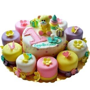 Торт Мишка с капкейками №2