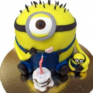 Торт Миньоны с пирожным №4