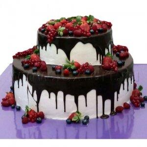 Ягодный торт с подтеками