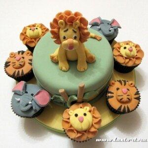 Торт Львенок с капкейками