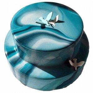 Зеркальный торт с Голубями