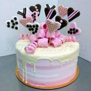 Торт с подтеками и  сердечками