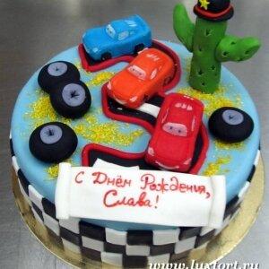 Торт Тачки на цифре 3