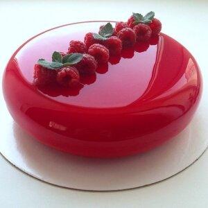 Зеркальный торт с малиной